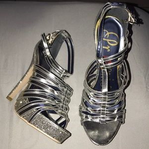 Silver glitter heel